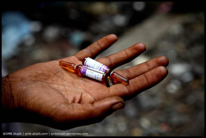 A drug user is showing his drug pethedrine