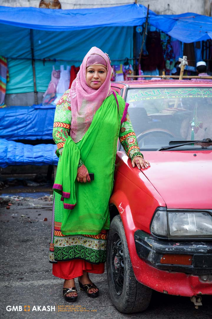 'I am a housewife. I feel very good after I wear hijab. Even when I look at girls who wear hijab seems very respectable to me. It is one kind of self protection and my aim is to follow footsteps of pious Muslim women' – Jesmin, housewife