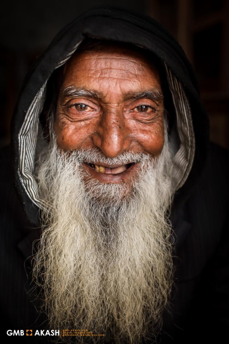 Abul Hossain 72
